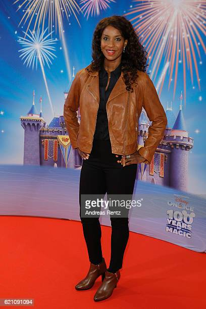 Liz Baffoe attends the premiere of 'Disney on Ice 100 Jahre voller Zauber' at Lanxess Arena on November 4 2016 in Cologne Germany