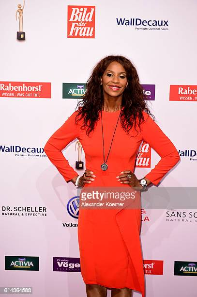 Liz Baffoe attends the red carpet at the 'Goldene Bild der Frau' award at Stage Theater on October 13 2016 in Hamburg Germany