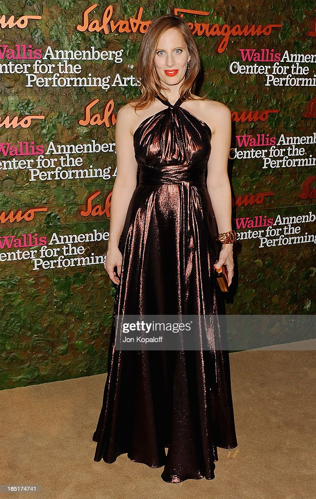 <a gi-track='captionPersonalityLinkClicked' href=/galleries/search?phrase=Liz+Goldwyn&family=editorial&specificpeople=542651 ng-click='$event.stopPropagation()'>Liz Goldwyn</a> arrives at the Wallis Annenberg Center For Performing Arts Inaugural Gala at Wallis Annenberg Center for the Performing Arts on October 17, 2013 in Beverly Hills, California.