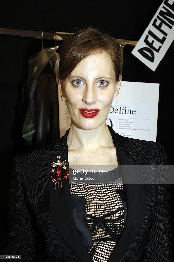 Liz Goldwyn attends the Viktor & Rolf Ready to Wear Spring/Summer 2011 show during Paris Fashion Week at Espace Ephemere Tuileries on October 2, 2010 in Paris, France.