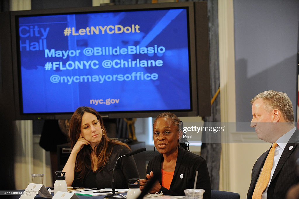Liz Gumbinner of Cool Mom Picks, First Lady Chirlane McCray and Mayor Bill de Blasio during a roundtable discussion with parent bloggers in the Blue Room of City Hall on March 7, 2014 in New York City. The roundtable discussion included topics about universal pre-K and after school programs .