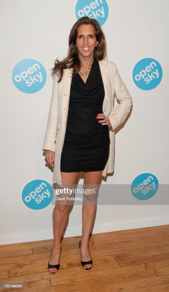 Liz Lange attends the OpenSky Pop-Up Gallery launch at 477 Broome Street on November 10, 2011 in New York City.