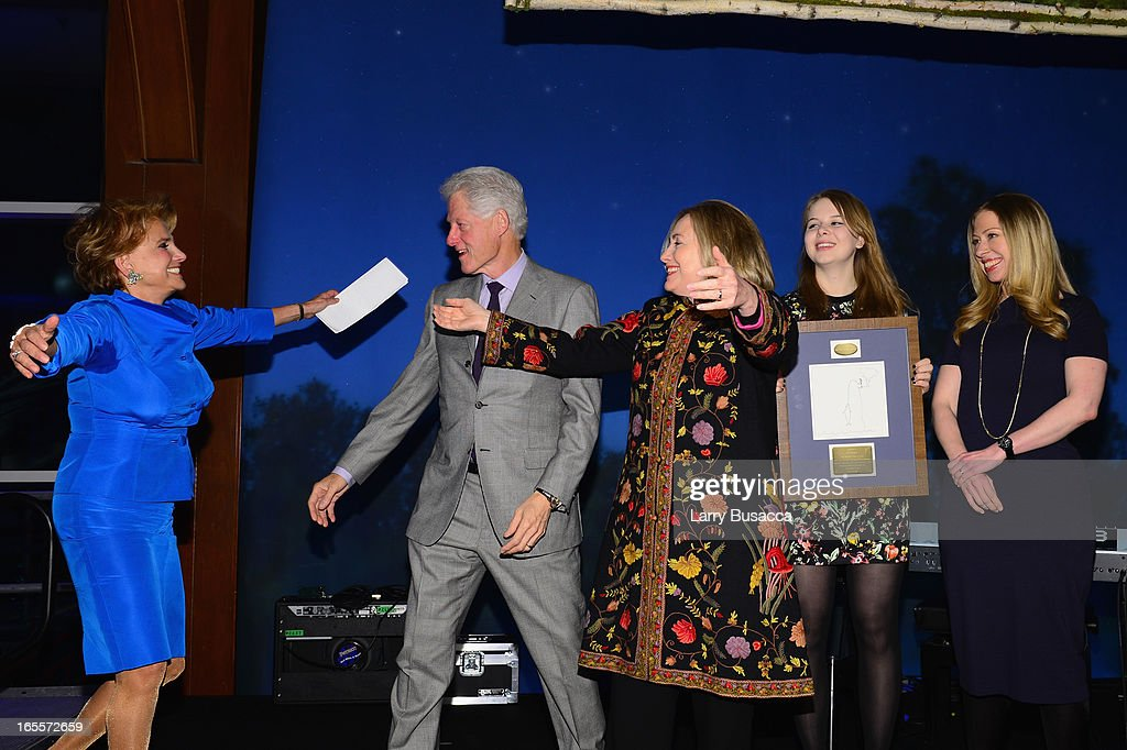 Liz Robbins, Former US President Bill Clinton, Former US Secretary of State Hillary Clinton, Robin Robbins and Chelsea Clinton attend SeriousFun Children's Network event honoring Liz Robbins with celebrity guests at Pier Sixty at Chelsea Piers on April 4, 2013 in New York City.