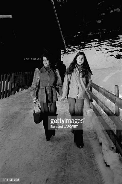 Liz Taylor with his daughter Maria Burton in Gstaad Switzerland on February 08 1976