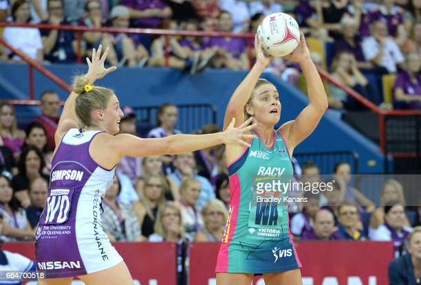 Liz Watson of the Vixens looks to pass during the round five Super Netball match between the Firebirds and the Vixens at Brisbane Entertainment...