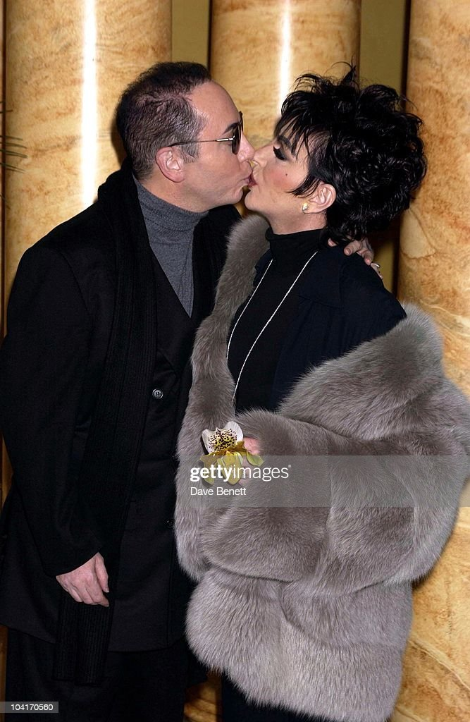 Liza Minnelli And Fiance David Gest, Liza Minnelli Announces 5 Albert Hall Concerts As Part Of 'Liza's Back' European Tour, Co, Produced By Michael Jackson And Fiance David Gest At The Dorchester Hotel, London