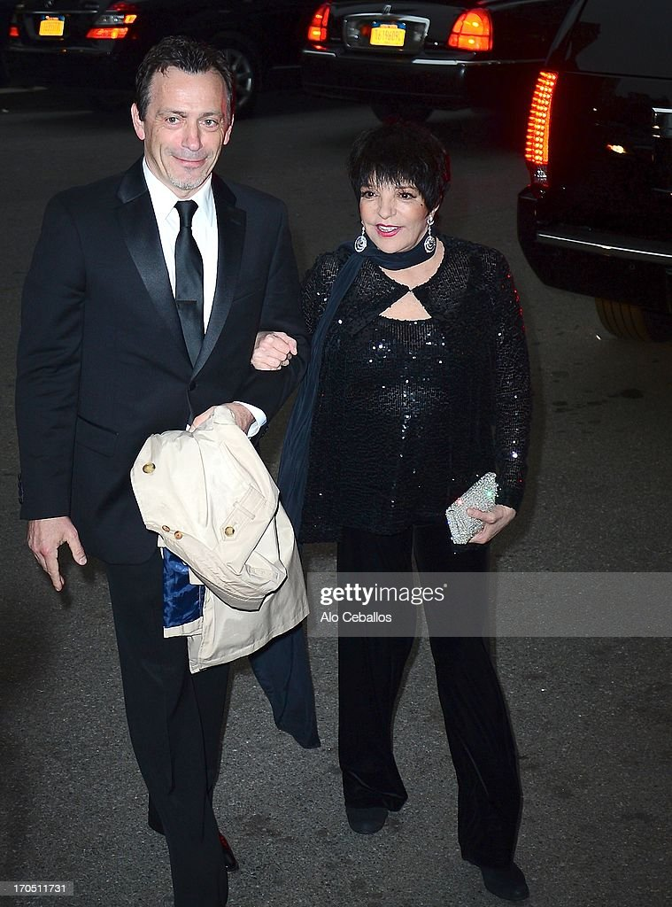 Liza Minnelli arrives the 4th Annual amfAR Inspiration Gala New York at The Plaza Hotel on June 13, 2013 in New York City.
