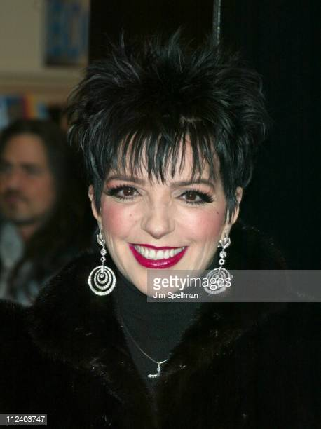 Liza Minnelli during Liza Minnelli InStore At Tower Records New York Promoting Her New CD 'Liza's Back' at Tower Records in New York New York United...