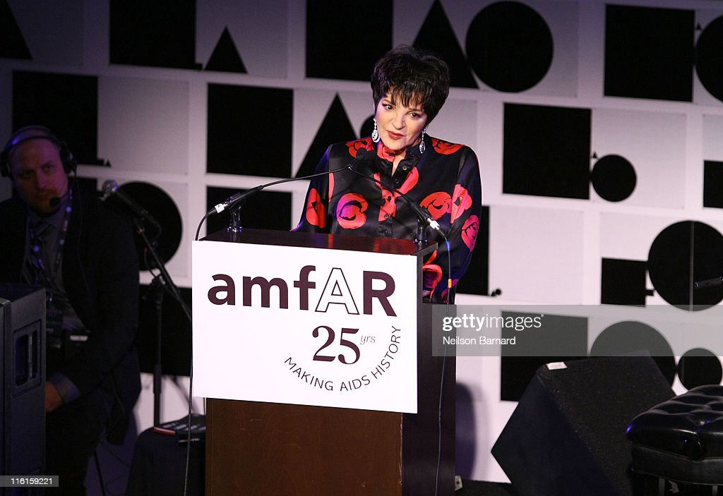 <a gi-track='captionPersonalityLinkClicked' href=/galleries/search?phrase=Liza+Minnelli&family=editorial&specificpeople=121547 ng-click='$event.stopPropagation()'>Liza Minnelli</a> speaks on stage during the 2nd Annual amfAR Inspiration Gala at The Museum of Modern Art on June 14, 2011 in New York City.