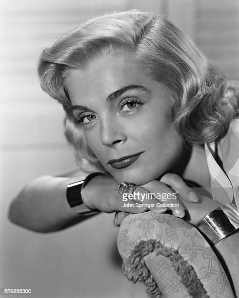 Lizabeth Scott stars in the 1951 film The Racket