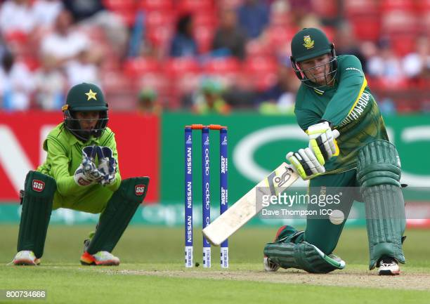 Lizelle Lee of South Africa plays a shot in front of Sidra Nawaz of Pakistan during the ICC Women's World Cup match between Pakistan and South Africa...