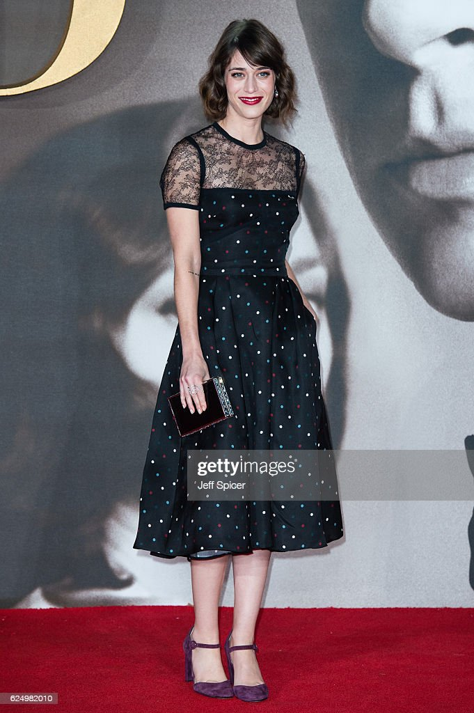 Lizzy Caplan attends the UK Premiere of 'Allied' at Odeon Leicester Square on November 21, 2016 in London, England.