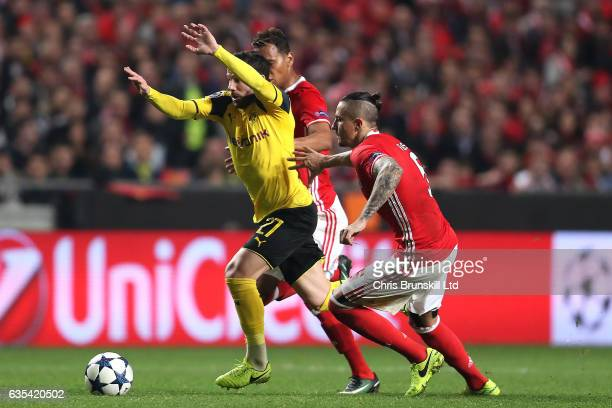 Ljubomir Fejsa of SL Benfica in action with Gonzalo Castro of Borussia Dortmund during the UEFA Champions League Round of 16 first leg match between...