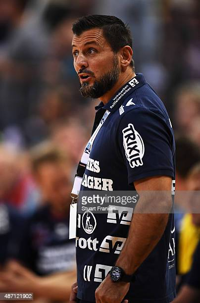 Ljubomir Vranjes head caoch of Flensburg reacts during the DKB Handball Bundeslga match between SG FlensburgHandewitt and THW Kiel at FlensArena on...