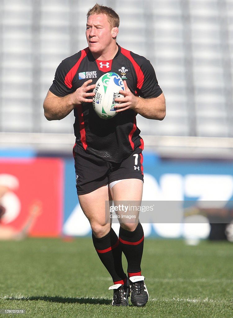 Lloyd Burns in action during the Welsh national rugby team Captain's Run at Eden Park on October 20, 2011 in Auckland, New Zealand.