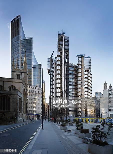 Lloyds Building Leadenhall Street London Ec3 United Kingdom Architect Richard Rogers Partnership London Uk Richard Rogers Partnership Rshp Fosters...