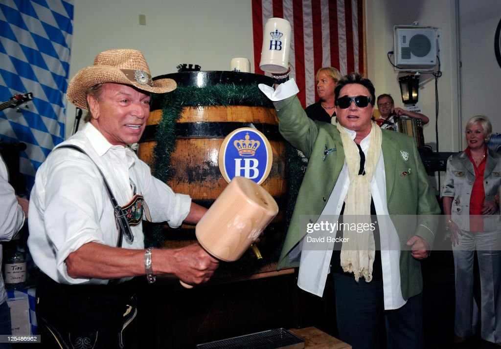 Siegfried And Roy Kick Off Oktoberfest At Hofbrauhaus Las Vegas