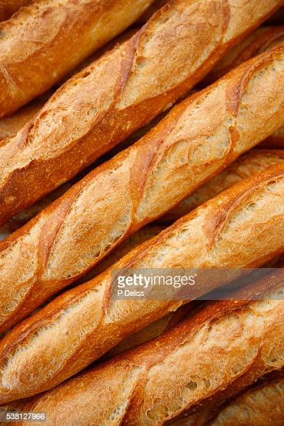 Loaves of bread (baguettes)