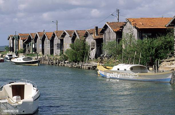 Local oyster huts and boats 'Pinasses'