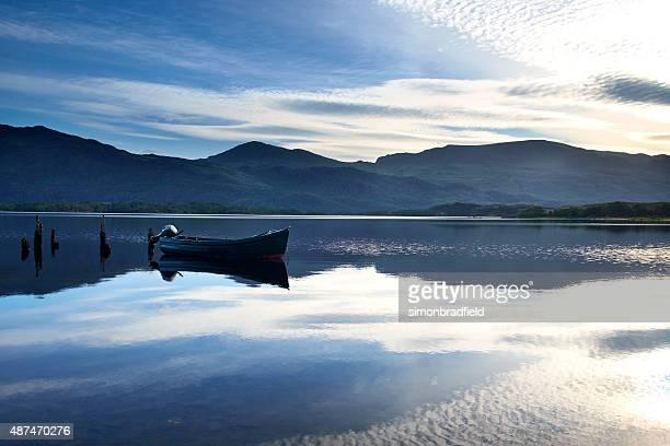 夜明けマリー湖の景色