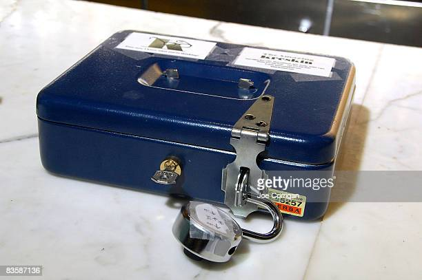 A lockbox is displayed as the Amazing Kreskin speaks to the media as he unveils a 2008 Presidential election prediction at the World Bar on November...