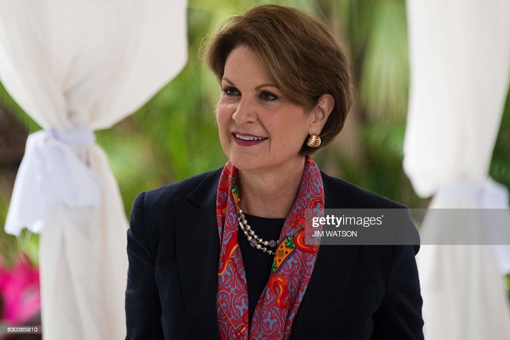 Lockheed Martin CEO Marillyn Hewson arrives for meeting with US President-elect Donald Trump at Mar-a-Lago in Palm Beach, Florida, on December 21, 2016. / AFP / JIM
