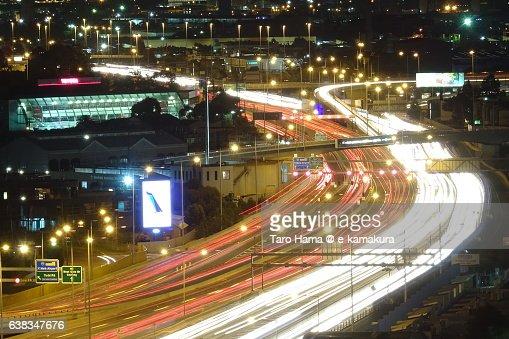 Locus of running car on highway in Melbourne