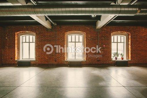 Loftstudio Interieur Alt Haus Große Fenster Stock-Foto | Thinkstock