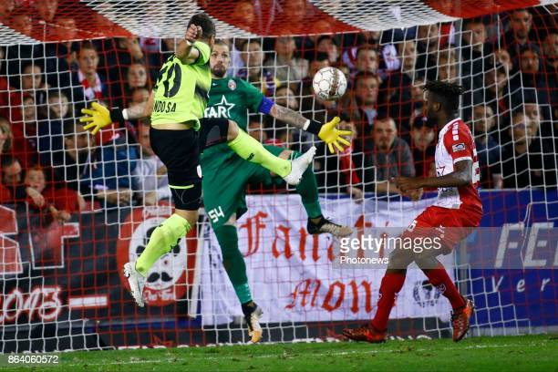 Logan Bailly goalkeeper of Royal Excel Mouscron Orlando Sa forward of Standard Liege scores and celebrates pictured during the Jupiler Pro League...