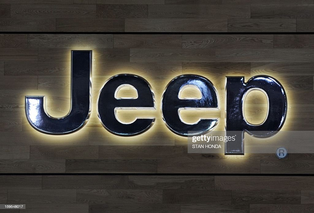 Logo for the Jeep division of Chrysler at the 2013 North American International Auto Show in Detroit, Michigan, January 15, 2013. AFP PHOTO/Stan HONDA
