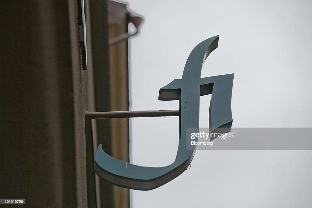 A logo hangs outside the headquarters of the Swedish Financial Supervisory Authority (FSA) stand in Stockholm, Sweden, on Wednesday, Feb. 13, 2013. Working for a stable financial system is a broad task that ultimately comes down to avoiding financial crises, Andersson said on the agency's website. Photographer: Casper Hedberg/Bloomberg via Getty Images