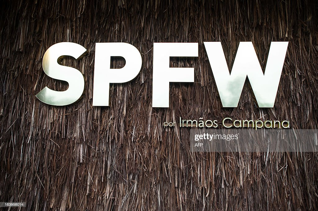 A logo of Sao Paulo Fashion Week decorated by Brazilian designers Campana brothers is seen during the 2013 Summer collections of the Sao Paulo Fashion Week in Sao Paulo, Brazil, on March 18, 2013. AFP PHOTO / Yasuyoshi CHIBA