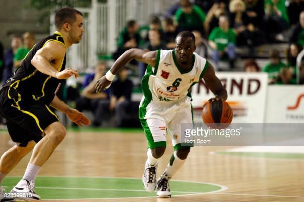 Loic AKONO Nanterre / Bordeaux 27eme journee de ProB Palais des sports de Nanterre