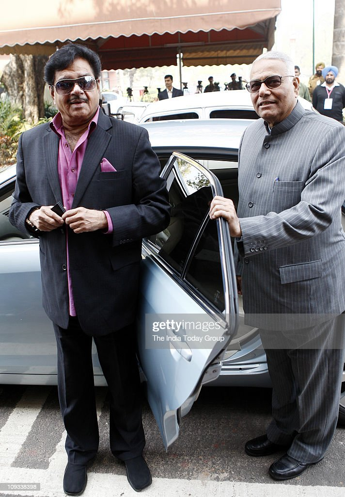 Lok Sabha MP Shatrughan Sinha and <a gi-track='captionPersonalityLinkClicked' href=/galleries/search?phrase=Yashwant+Sinha&family=editorial&specificpeople=227891 ng-click='$event.stopPropagation()'>Yashwant Sinha</a> (right) arrive to attend inaugural day of the Budget session of Parliament on Monday, February 21, 2011 in New Delhi.