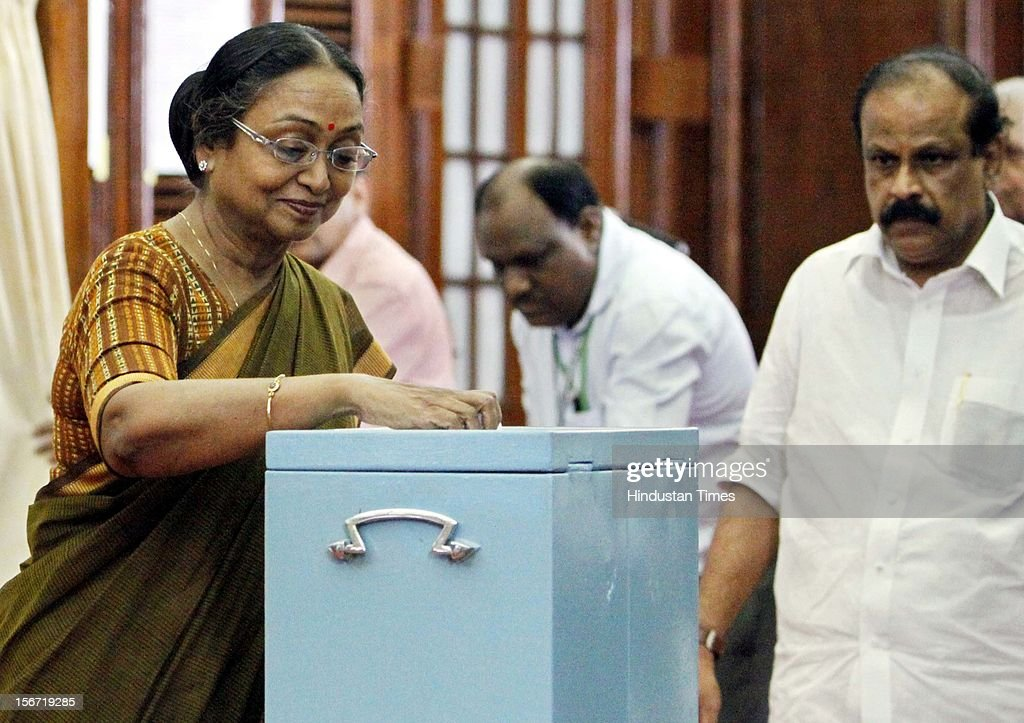 'NEW DELHI, INDIA - AUGUST 7: Lok Sabha Speaker Meira Kumar casting her vote for the election of Vice President at Parliament house on August 7, 2012 in New Delhi, India. (Photo by Sunil Saxena/Hindustan Times via Getty Images)'