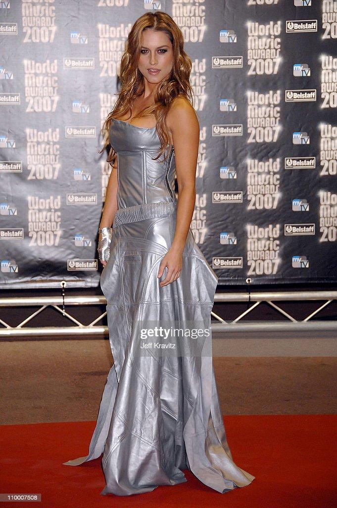 World Music Awards 2007 - Roaming On Red Carpet
