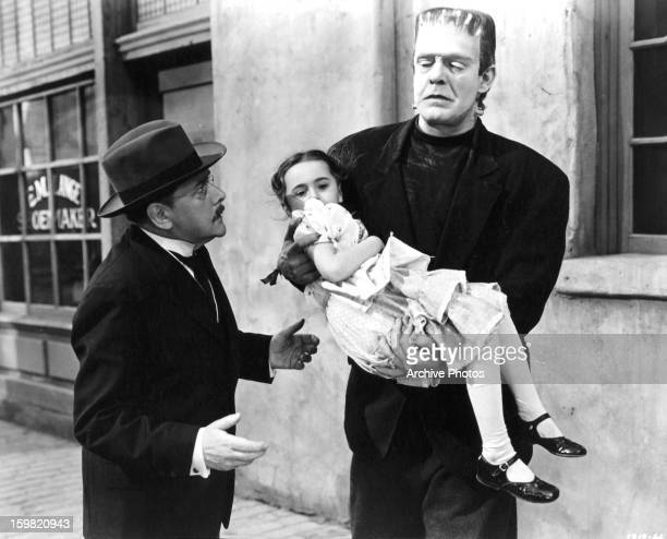Lon Chaney Jr as the monster carries Janet Ann Gallow in a scene from the film 'The Ghost Of Frankenstein' 1942