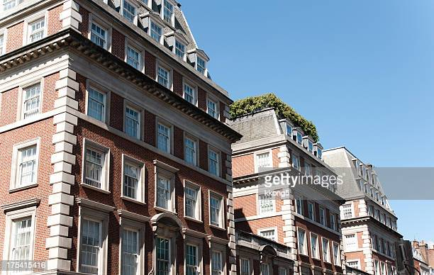 london architecture: classic buildings with rooftop garden