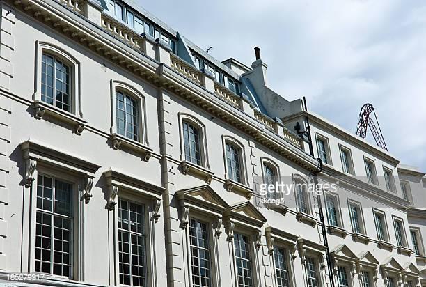 London Architecture: Mayfair Fassade classique dans l'après-midi ensoleillé