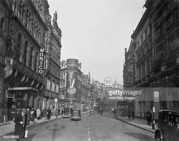 Everyday Life In London England A general view looking down Shaftesbury Avenue towards the Lyric and Apollo Theatres On the left can be seen the...