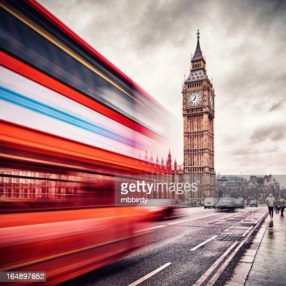 London Big Ben and traffic on Westminster Bridge : Stock Photo