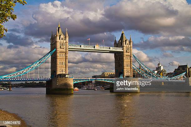 London bridge foto e immagini stock getty images for Design agency london bridge