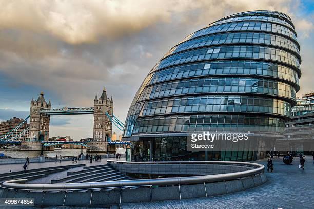 City Hall de Londres durante la puesta del sol