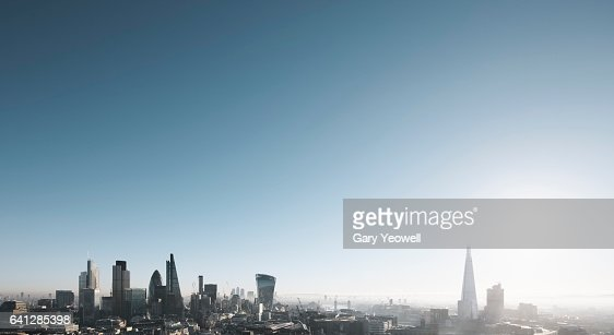 London city skyline on a misty morning : Stockfoto