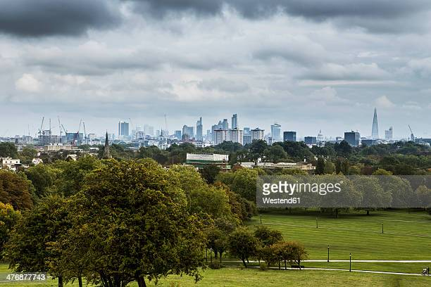 UK, London, Docklands, view at skyline