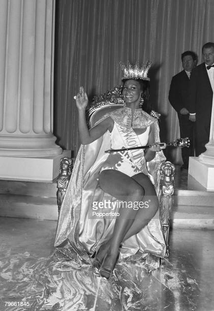 London England 20th November 1970 Jennifer Hosten of Grenada is chosen from 58 contestants and crowned as Miss World