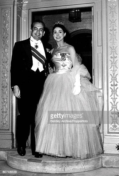 London England 4th May 1960 Dr Roberto Arias and his wife Dame Margot Fonteyn stand on the doorstep of their home before leaving for Buckingham...