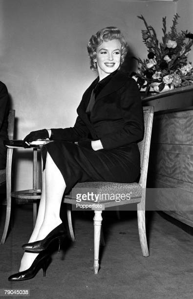 1956 London England A picture of American actress Marilyn Monroe at a reception at the Savoy Hotel