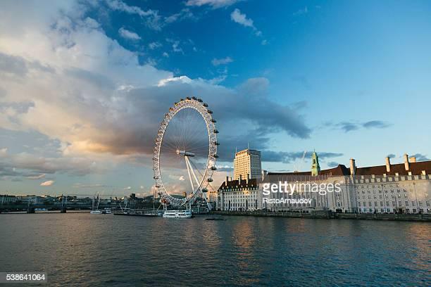 London Eye in der Nachmittagssonne