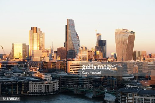 London financial district at sunset : ストックフォト